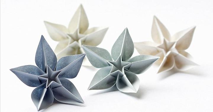Цветок и бумаги оригами